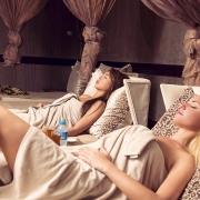 спа Центр красивые девушки в полотенцах