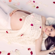 нежные студийные фото беременных