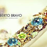 красивые рекламные фотографии браслетов